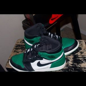 Air Jordan Retro 1's Pine Green